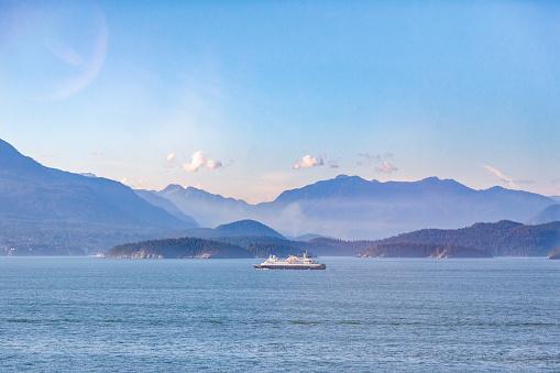 Cruise - Vacation「Canada, British Columbia, Vancouver, cruise liner」:スマホ壁紙(18)