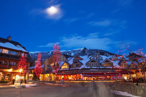 Ski Resort「Canada, British Columbia, moon over Whistler Village at dusk」:スマホ壁紙(18)