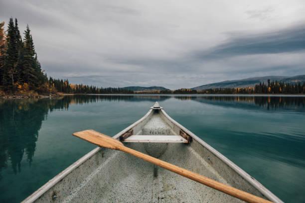 Canada, British Columbia, Boya Lake, Boya Lake Provincial Park, kanu:スマホ壁紙(壁紙.com)