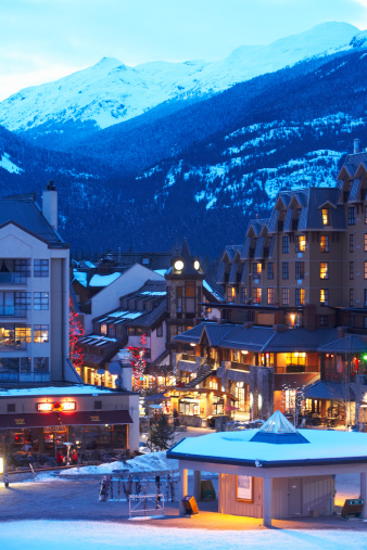 Ski Resort「Canada, British Columbia, Whistler Village and mountains」:スマホ壁紙(10)