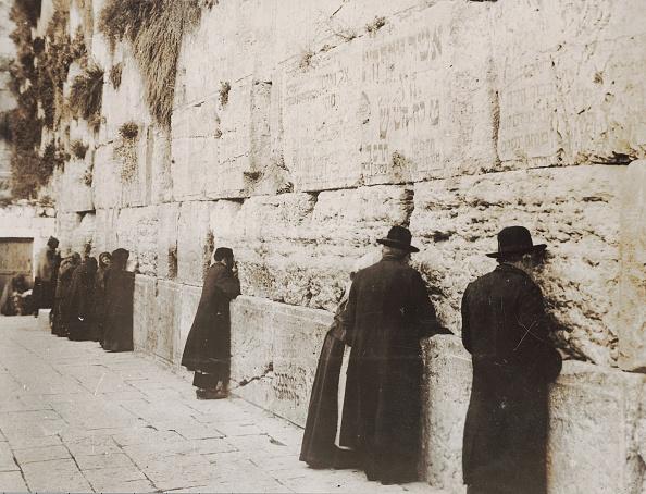 Wailing Wall「Jews at the Wailing Wall in Jerusalem」:写真・画像(6)[壁紙.com]