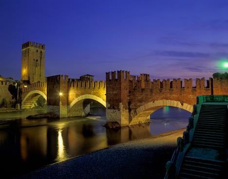 アディジェ川「Fortress bridge Castelveccio, Verona」:スマホ壁紙(12)
