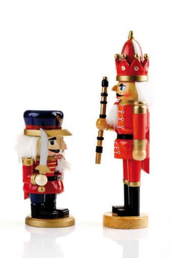 Figurine「Two nutcrackers facing, close-up」:スマホ壁紙(7)