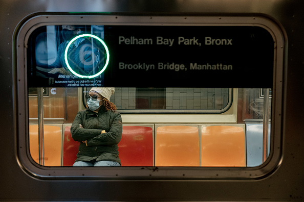 New York City「Coronavirus Pandemic Causes Climate Of Anxiety And Changing Routines In America」:写真・画像(1)[壁紙.com]