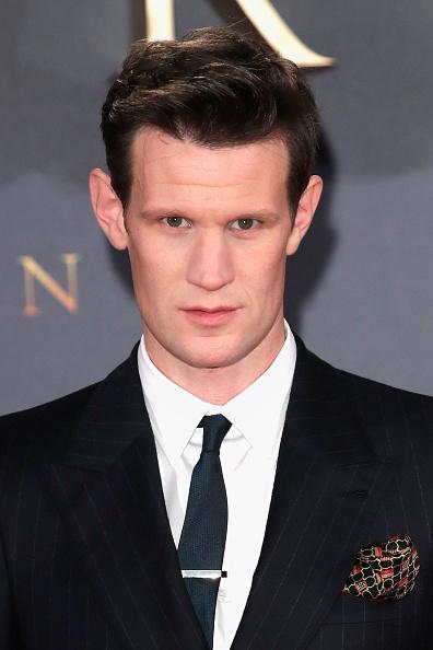 俳優「'The Crown' Season 2 World Premiere - Red Carpet Arrivals」:写真・画像(14)[壁紙.com]