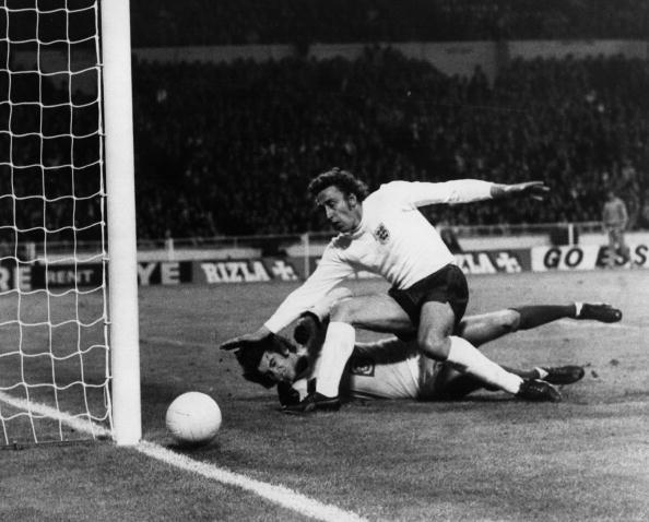 John Phillips「Goalie Down」:写真・画像(0)[壁紙.com]