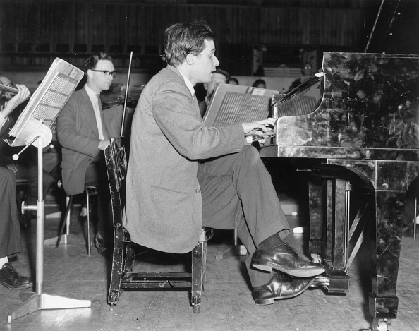 Approaching「Glenn Gould Plays」:写真・画像(13)[壁紙.com]