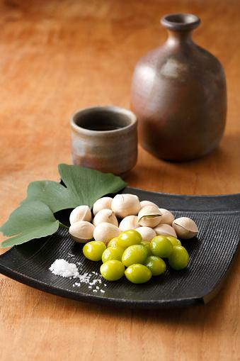 Sake「Roasted Ginkgo Nuts on Plate and Sake」:スマホ壁紙(1)