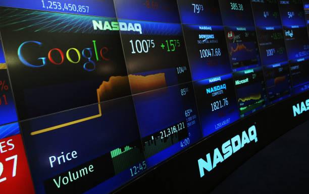 Google Goes Public:ニュース(壁紙.com)