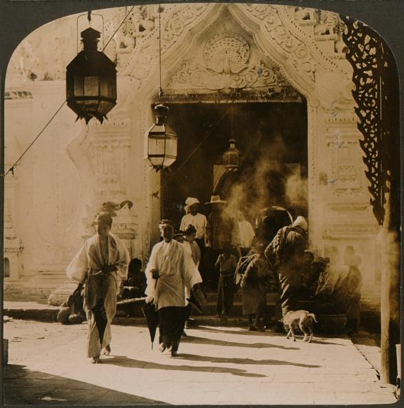 City Life「Burmese ladies on their way to the bazaar, Mandalay, Burma, 1907」:写真・画像(8)[壁紙.com]