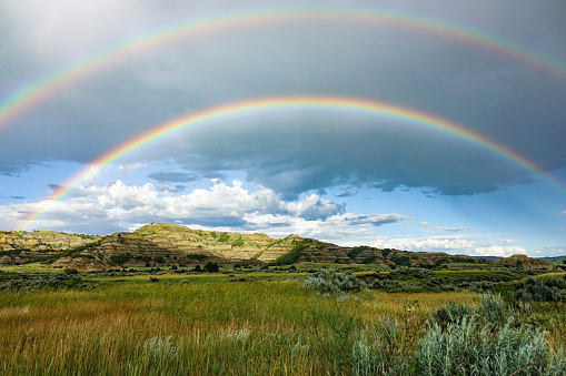 Double Rainbow「Double Rainbow, Theodore Roosevelt National Park, North Dakota」:スマホ壁紙(10)