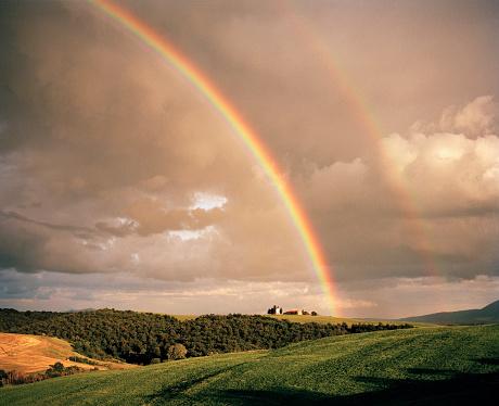 Rainbow「Double rainbow over chapel on a hillside」:スマホ壁紙(18)