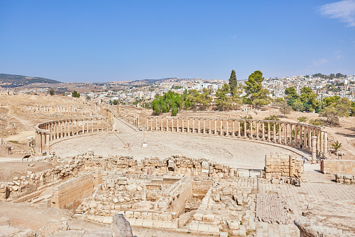 The Oval Piazza「The Oval Plaza of the ancient city of Jerash」:スマホ壁紙(7)