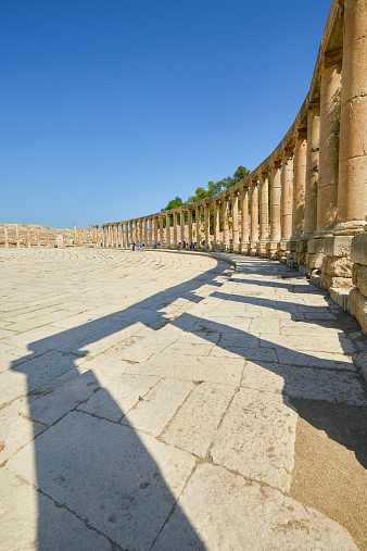 The Oval Piazza「The Oval Plaza of the ancient city of Jerash」:スマホ壁紙(8)