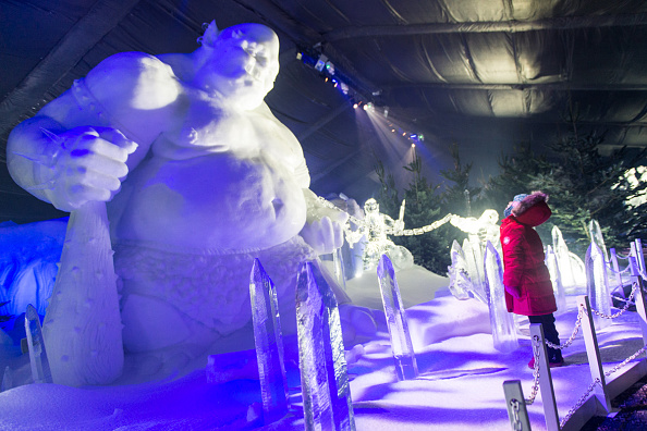 Ice Sculpture「The Magical Ice Kingdom At Hyde Park Winter Wonderland 2015」:写真・画像(3)[壁紙.com]
