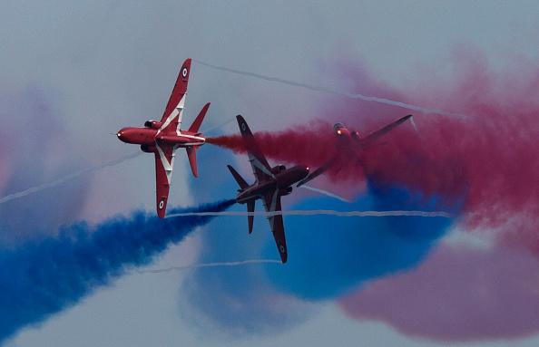 Republic Of Cyprus「The Red Arrows RAF Display Team Conduct Training Exercises Ahead Of Their Season」:写真・画像(10)[壁紙.com]