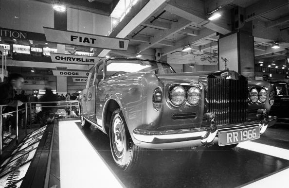 Victor Blackman「Rolls Royce」:写真・画像(3)[壁紙.com]