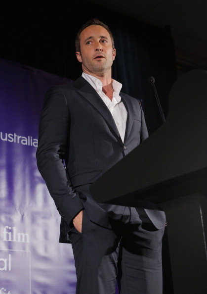 Alex O'Loughlin「2nd Annual Australians In Film Awards Gala」:写真・画像(9)[壁紙.com]