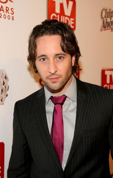 Alex O'Loughlin「TV Guide's Sexiest Stars Party」:写真・画像(17)[壁紙.com]