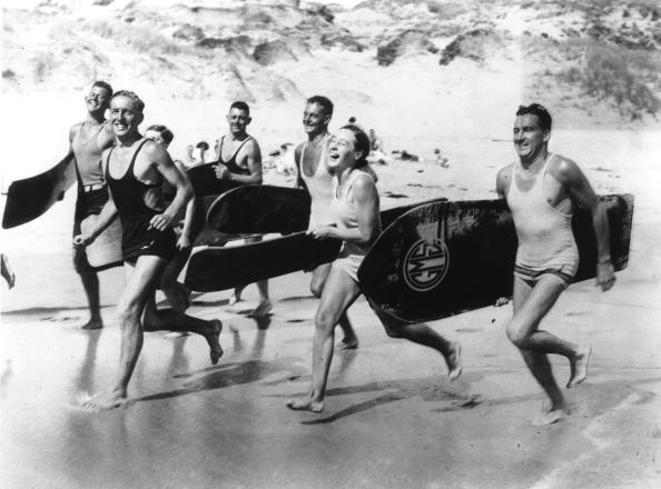 Females「Surfers Running」:写真・画像(17)[壁紙.com]