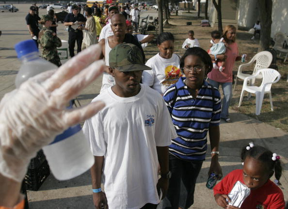 Houston Astrodome「New Orleans Evacuees Slowly Assimilate Into Houston Area」:写真・画像(18)[壁紙.com]