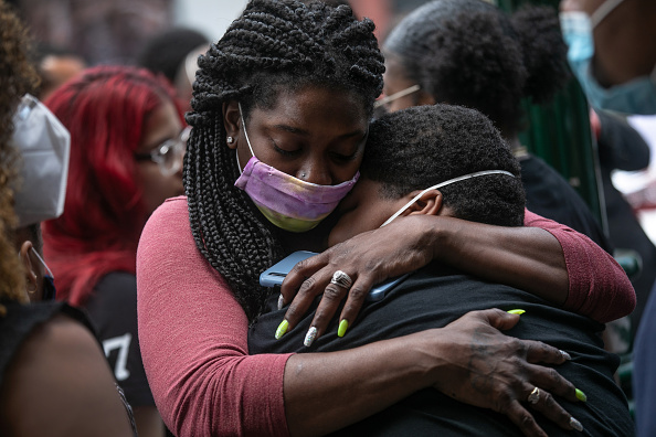 Mourning「COVID-19 Pandemic Continues To Disproportionally Affect African American Community」:写真・画像(5)[壁紙.com]