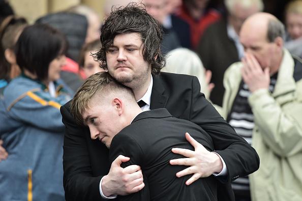 友情「Funeral Of St Patrick's Day Disco Crush Victim Morgan Barnard」:写真・画像(3)[壁紙.com]