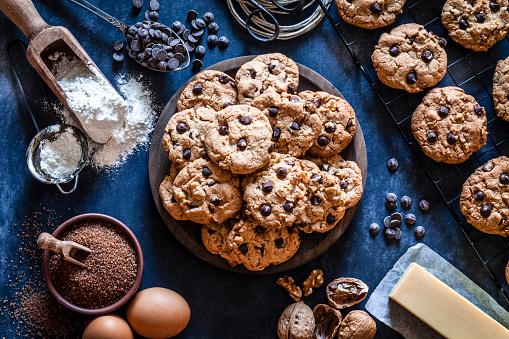 Snack「Preparing chocolate chip cookies」:スマホ壁紙(16)