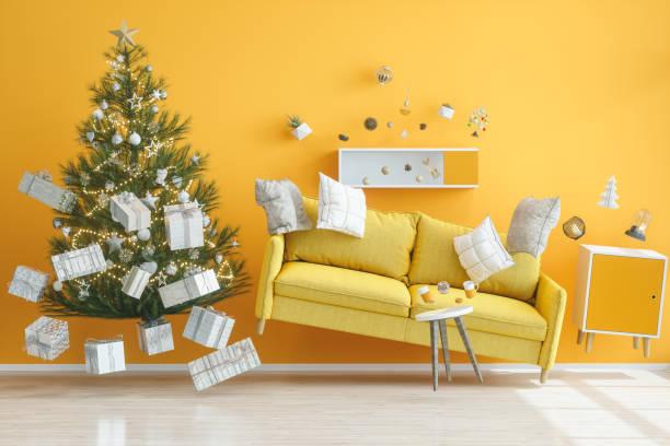 Gravity Concepts. Yellow Living Room with Christmas Tree:スマホ壁紙(壁紙.com)