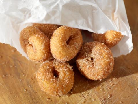 Fast Food「Cinnamon and Sugar Mini Donuts」:スマホ壁紙(2)