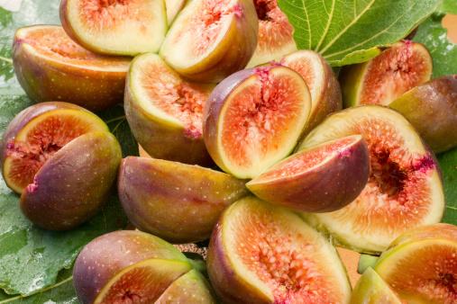 Fig「グループの生の熟れたフルーツのスライスで美味しい図 30」:スマホ壁紙(17)