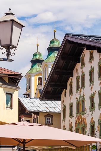 北チロル「Townscape of St. Johann in Tirol」:スマホ壁紙(0)