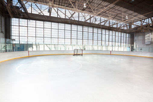 Ice-skating「Ice hockey net in an arena」:スマホ壁紙(8)