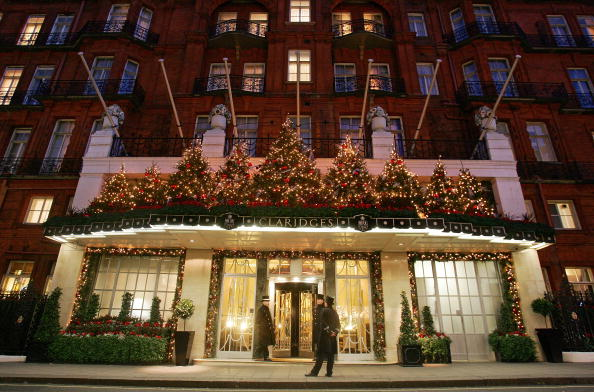 Claridge's「Claridges Lights Up For Christmas」:写真・画像(2)[壁紙.com]