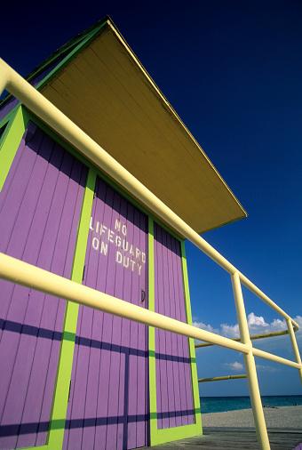 Miami Beach「Art deco lifeguard station, Miami, South Beach, FL」:スマホ壁紙(6)