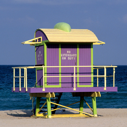 Miami Beach「Art deco lifeguard station, Miami, South Beach, FL」:スマホ壁紙(6)