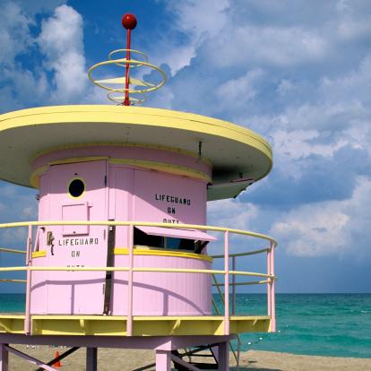 Miami Beach「Art deco lifeguard station, Miami, South Beach, FL」:スマホ壁紙(12)