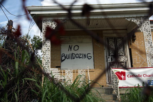 Grass「New Orleans Still Recovering Two Years After Hurricane Katrina」:写真・画像(7)[壁紙.com]