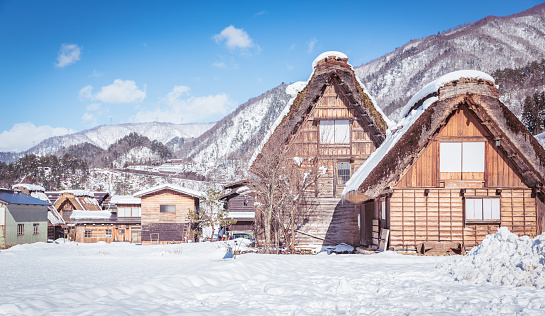 Village「Shirakawago village with white snow, the best for tourist travelling in Japan at winter」:スマホ壁紙(17)