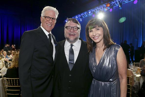 下襟「Landmark Vineyards at the 23rd Annual Critics' Choice Awards」:写真・画像(16)[壁紙.com]