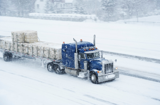 Receiving「Truck and blizzard」:スマホ壁紙(1)