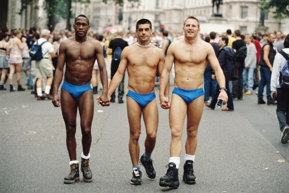 Three People「Gay Pride In London」:写真・画像(5)[壁紙.com]