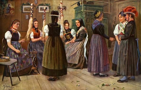 Traditional Clothing「German Women at the spinning wheel」:写真・画像(13)[壁紙.com]
