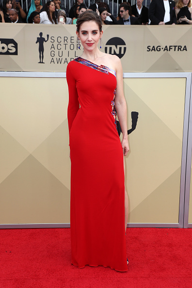 Alison Brie「24th Annual Screen Actors Guild Awards - Arrivals」:写真・画像(8)[壁紙.com]