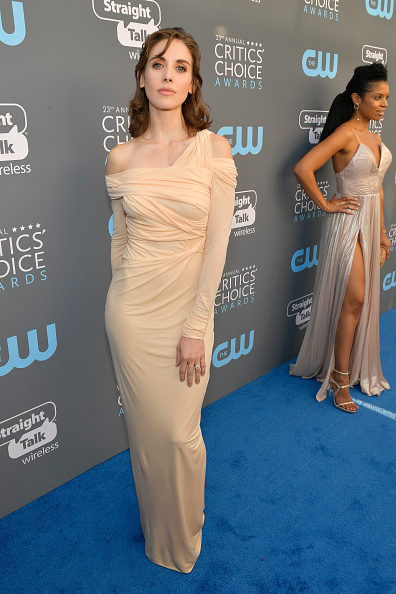 Alison Brie「The 23rd Annual Critics' Choice Awards - Red Carpet」:写真・画像(19)[壁紙.com]