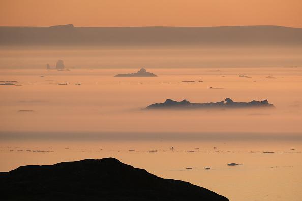 Iceberg - Ice Formation「Western Greenland Hit By Unseasonably Warm Weather」:写真・画像(10)[壁紙.com]