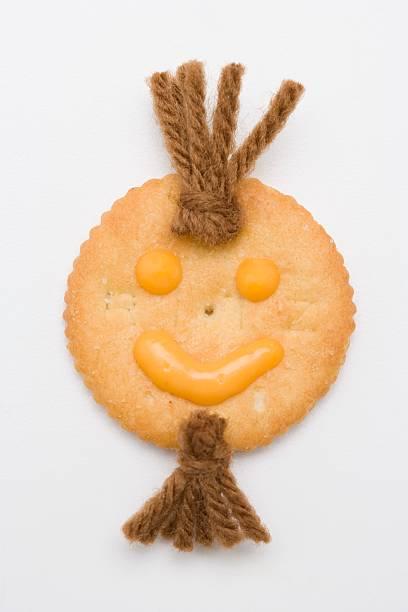 Happy face cracker:スマホ壁紙(壁紙.com)