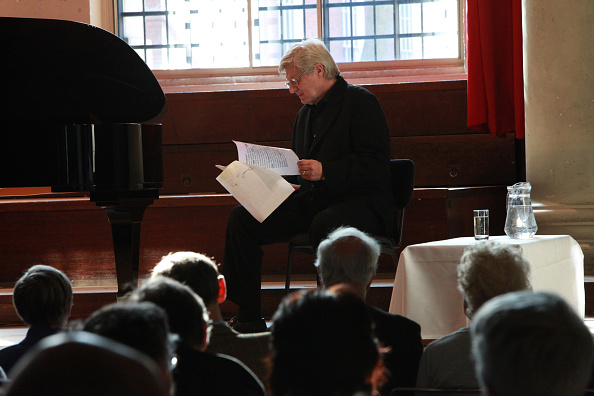 Martin Jarvis「Composers In Love At St John's Smith Square」:写真・画像(2)[壁紙.com]