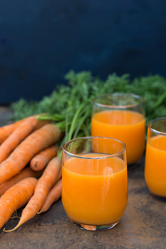 Vegetable Juice「Three glasses of fresh carrot juice and carrots」:スマホ壁紙(12)