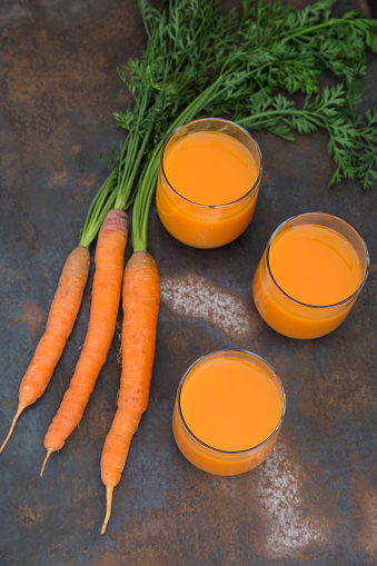 Vegetable Juice「Three glasses of fresh carrot juice and three carrots」:スマホ壁紙(9)